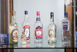 Plymouth_Gin_Exhibition_unveiling