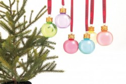 Gin-Baubles-RT-White-Background-410x274