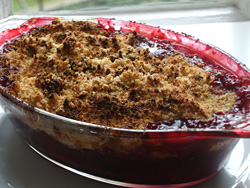 Autumn-fruit-crumble